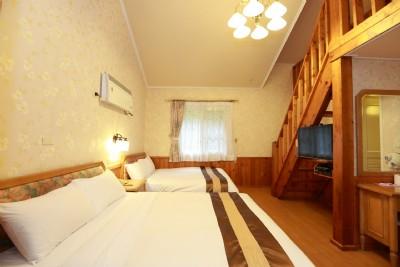 木屋六人三床套房