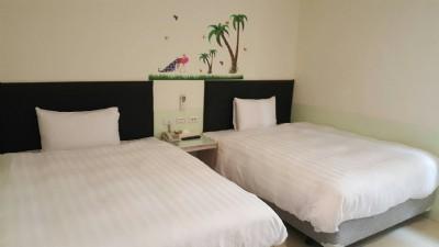 雅致标准两单床房