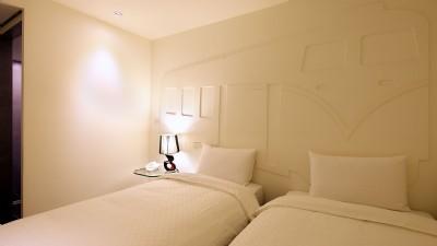 标准双床房(无窗)