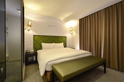 Prmier Double Room