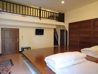日式阁楼十人房