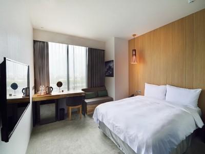 台灣白標準雙人客房 一大床/兩小床