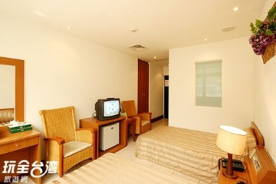Street View Twin Room